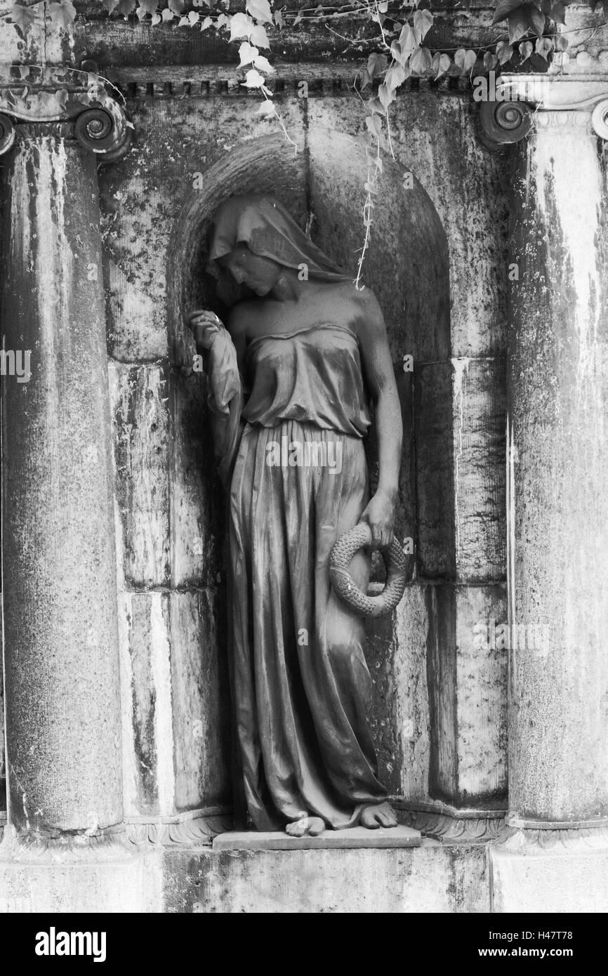 grave yard, grave, statue, female, s/w, - Stock Image