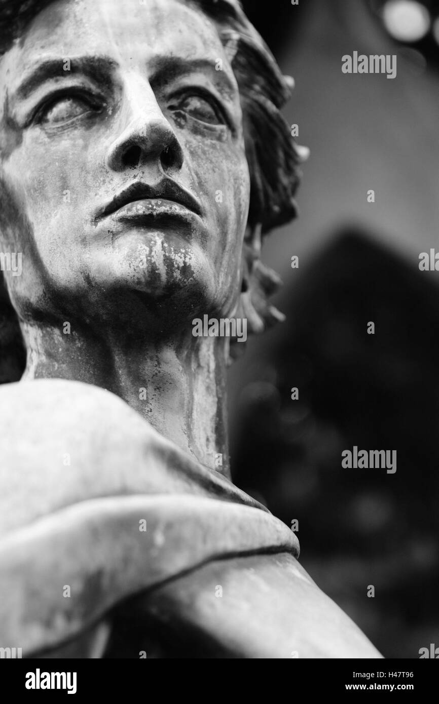 Broached, grave yard, grave, statue, male, s/w, - Stock Image