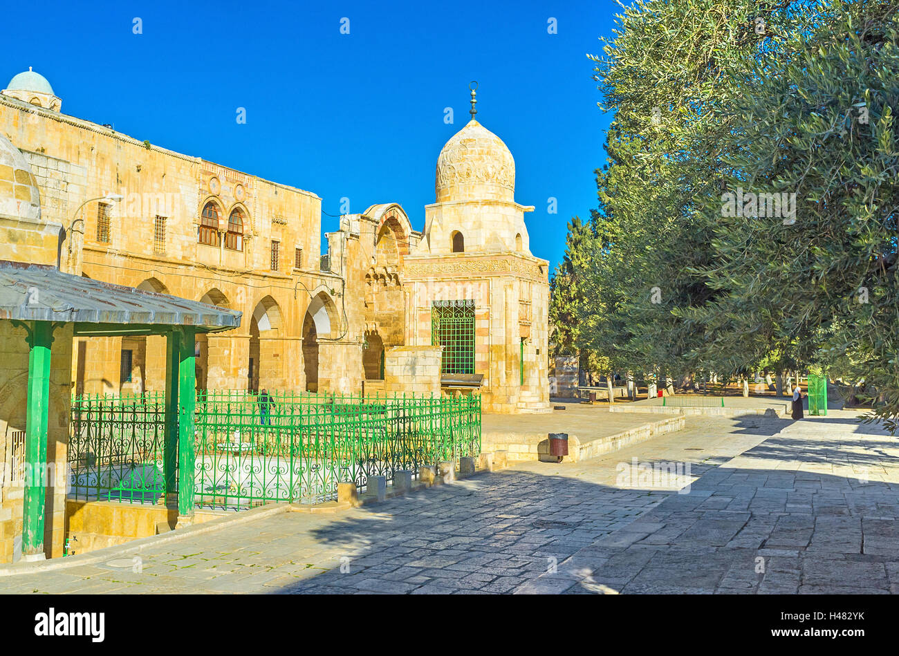 The Sabil Qaitbaywith the medieval arcades and gates of Mamluk period on the background, Temple Mount, Jerusalem, Stock Photo