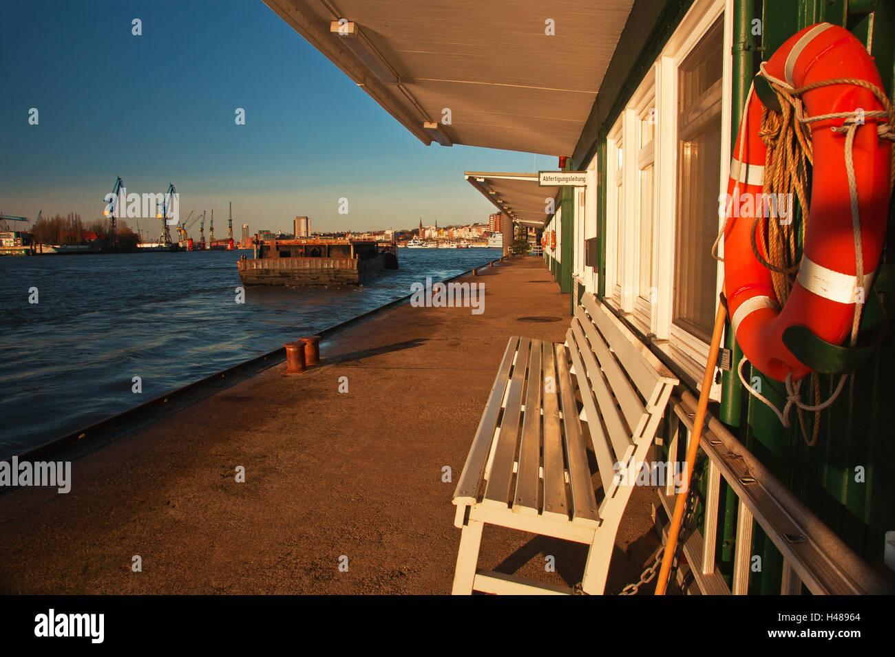 Pontoon jetties in the port of Hamburg (city), - Stock Image