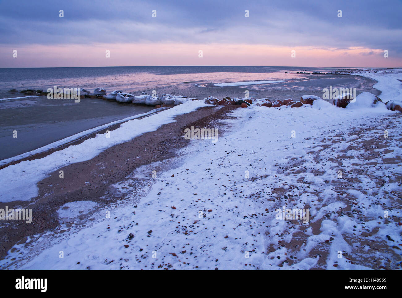 Winterimpression on the beach of the seaside resort Rettin, - Stock Image