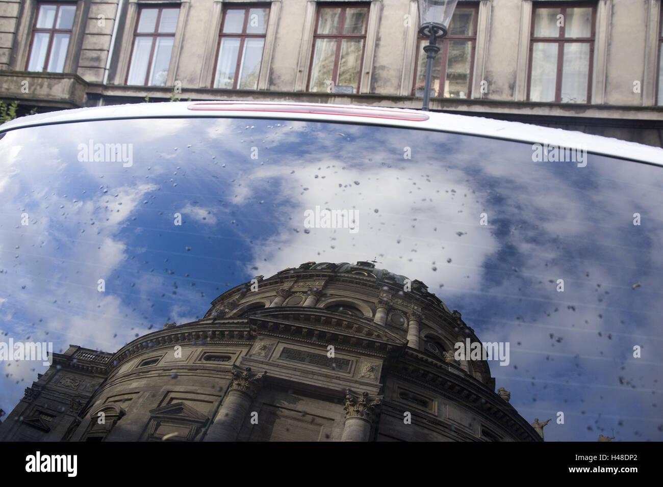 Denmark, Copenhagen, car, rear window, mirroring, Frederikskirken, detail, capital, marble church, church, structure, - Stock Image