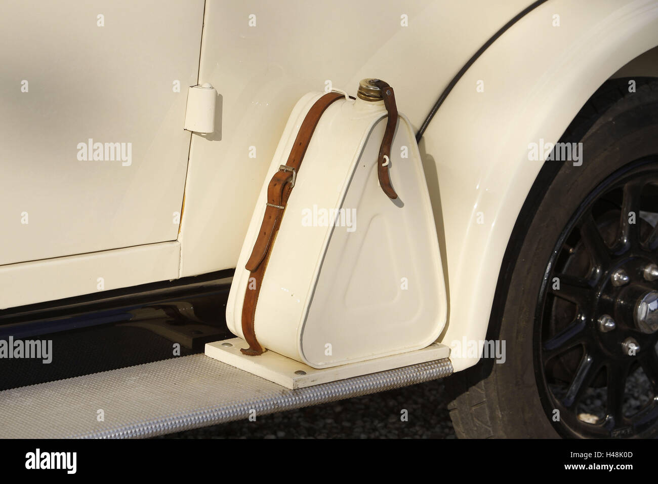 Car, old-timer, wanderer, detail, oil tank, - Stock Image