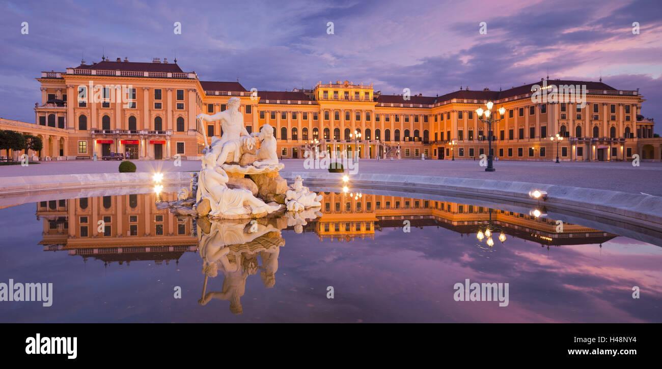 Austria, Vienna, 13th district, Hietzing, castle Schönbrunn, well, evening, - Stock Image