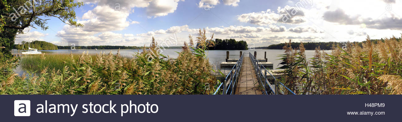 Skirmish lake, investor 'old oaks', view direction 'of Kleiner Werl', reed belts in the lake, sailboats - Stock Image