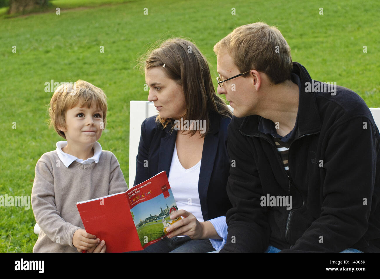 Dresden, family loosens the town riddle, Stock Photo