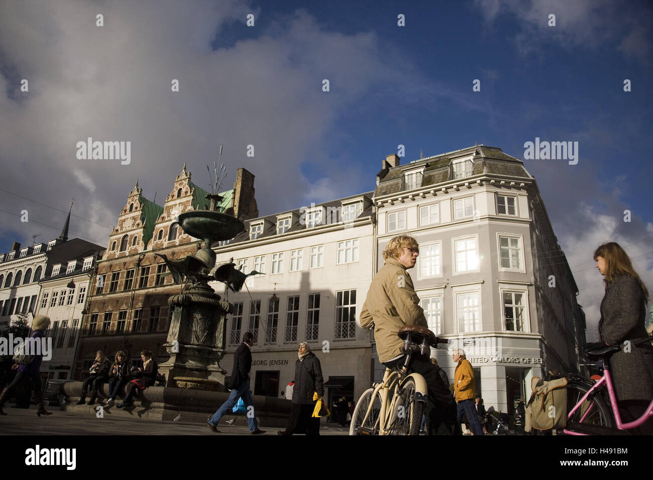 Denmark, Copenhagen, Amagertorv, space, fountain, tourist, capital, Storget, terrace, house facades, architecture, - Stock Image