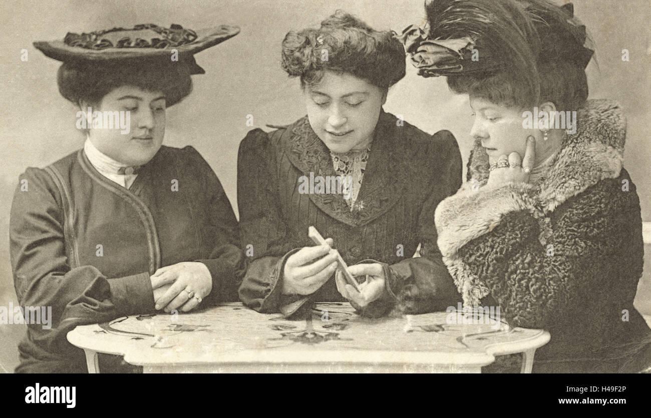 Nostalgia, Women, Fortune Teller, reading the cards, b/w, postcard, nostalgic, - Stock Image