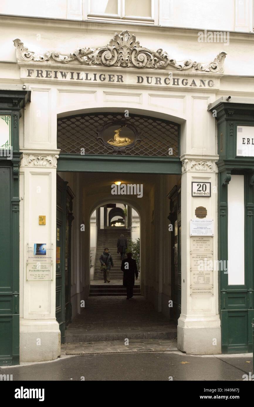 Austria, Vienna, lane Windmühl 20, voluntary passage or passage house, - Stock Image