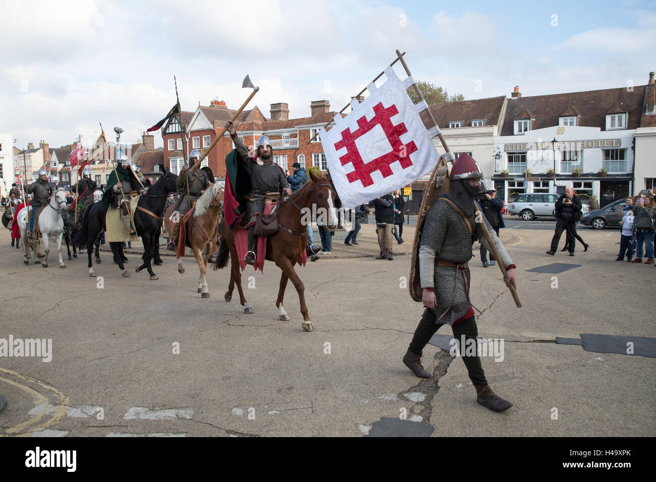 Battle, England. 14th October 2016, The March into 1066 concludes at Battle,On 25th September, a band of 1066 warriors Stock Photo