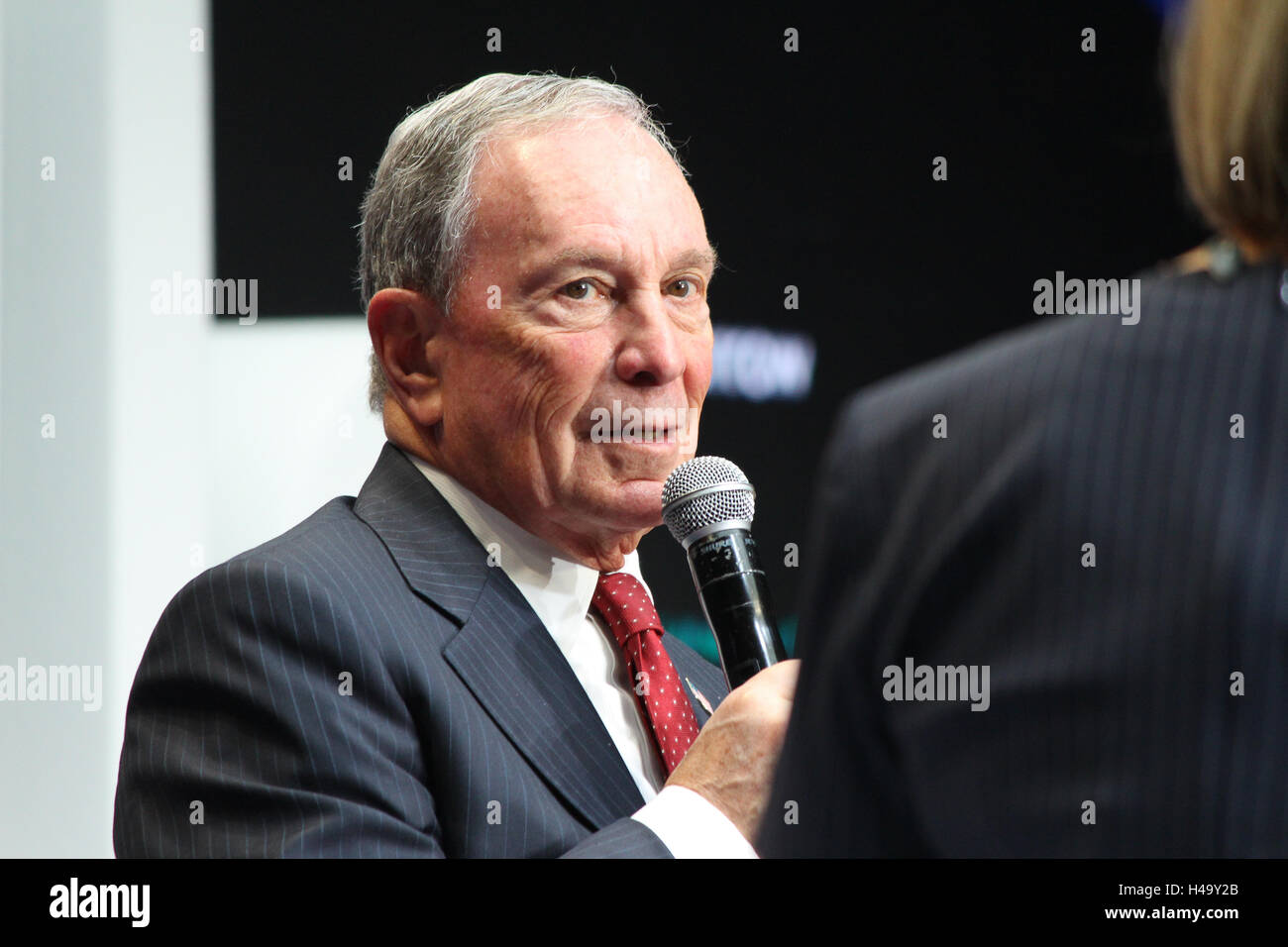 Paris, France. 14th October, 2016. Michael Bloomberg, CEO of Bloomberg L.P., delivers a speech to technology entrepreneurs - Stock Image