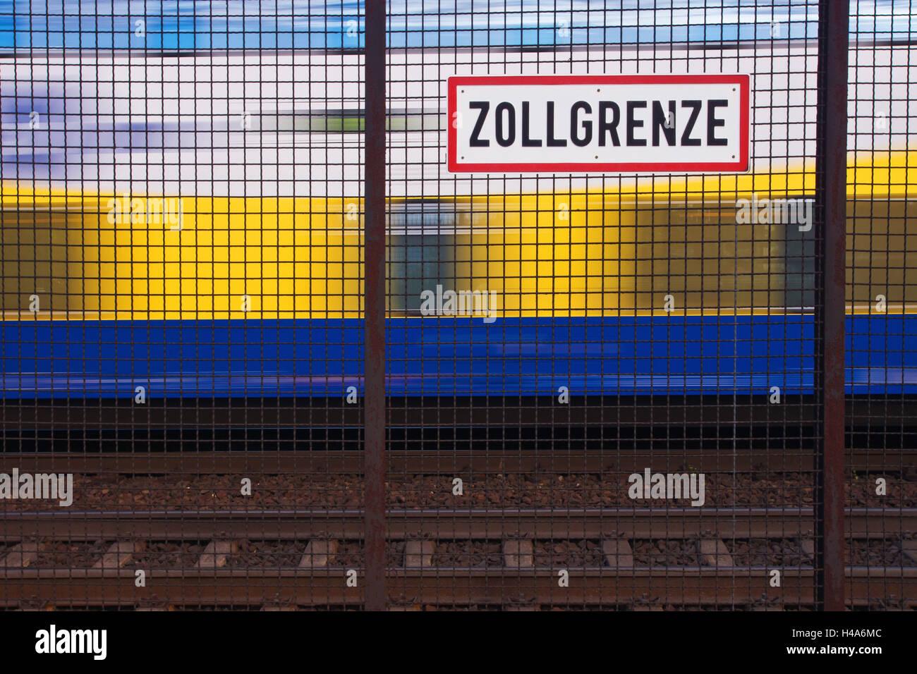 Freizonengrenze in Hamburg, fence of Zollgrenze, - Stock Image