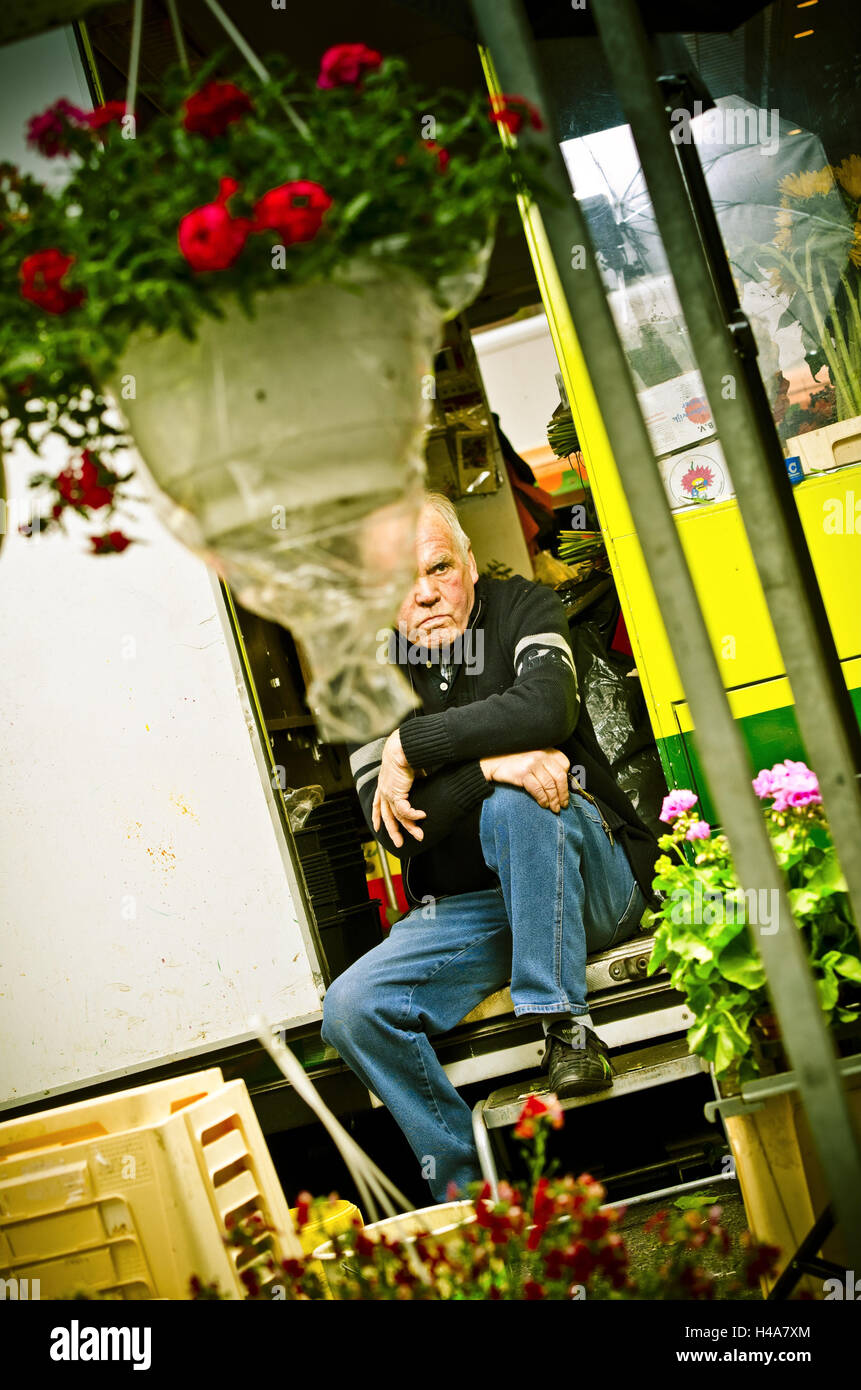 Germany, Hamburg, flower market, flower stall, owner, Stock Photo