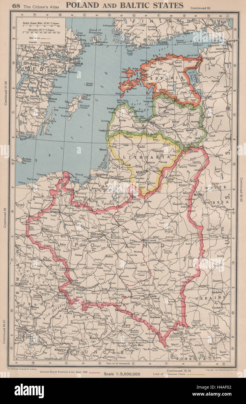 POLAND & BALTIC STATES. Showing 1939 German-Soviet partition line 1944 old map Stock Photo