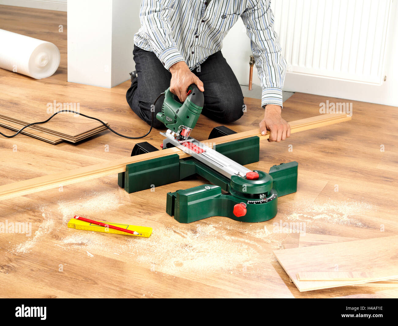 Floor Lay Man Saw Parquet