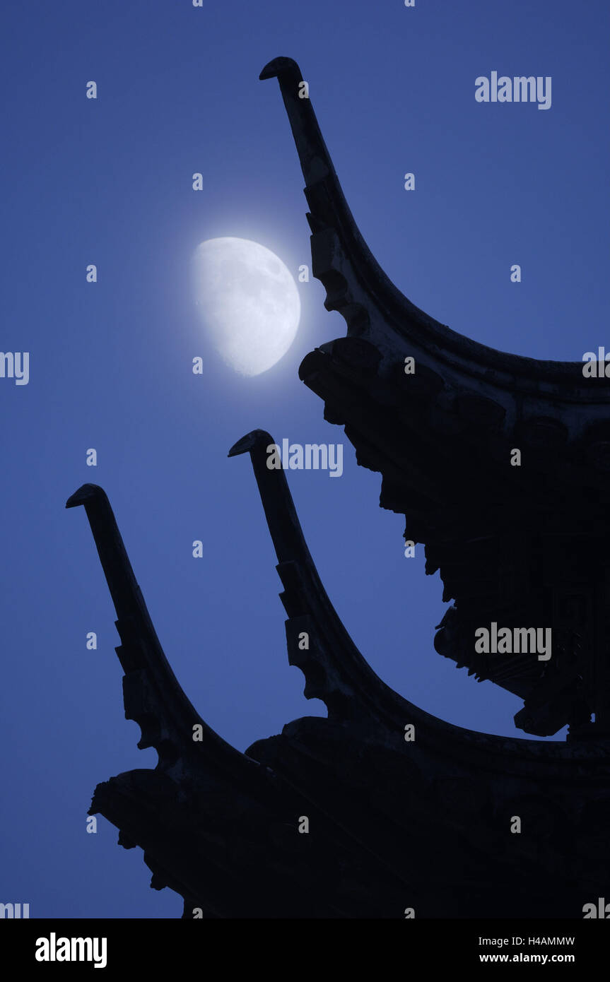 Japanese temple, detail, roof, moon, (M), - Stock Image