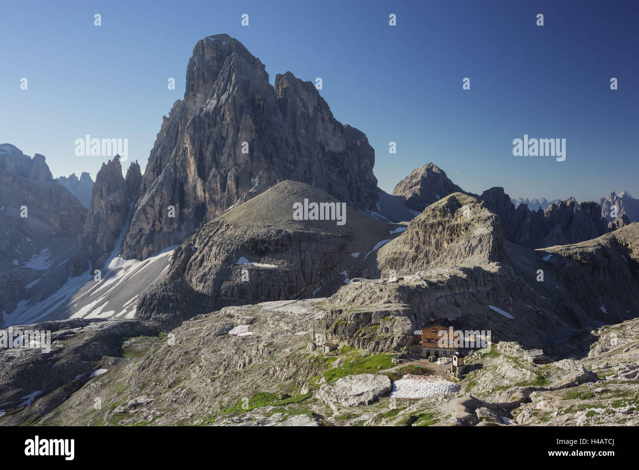 Zwölferkofel, Büllele yoke hut, South Tyrol, the Dolomites mountains, Italy - Stock Image