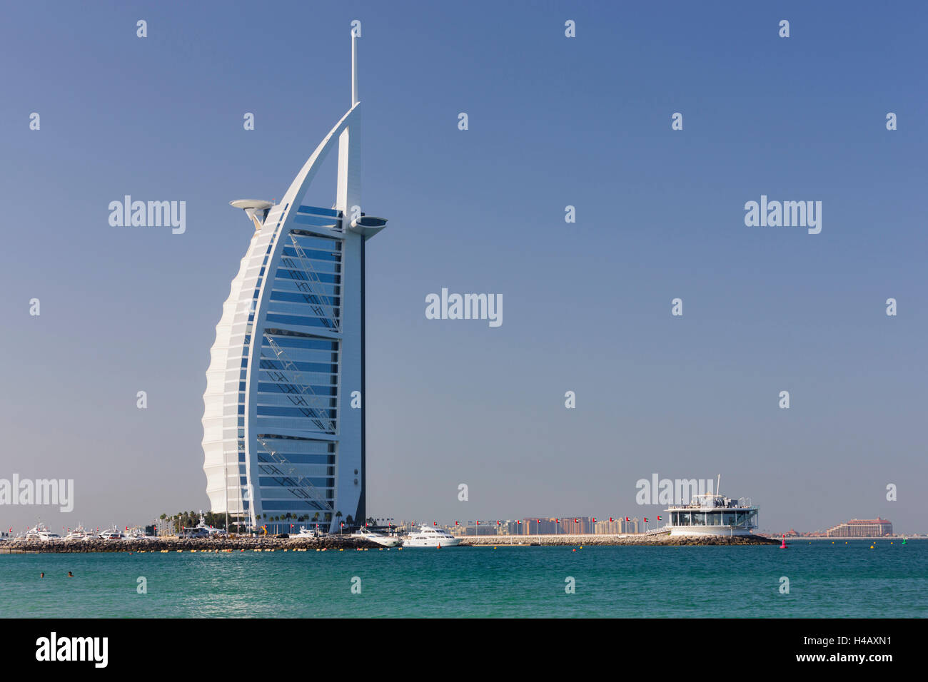 Luxury hotel Burj Al Arab, Dubai, United Arab Emirates - Stock Image