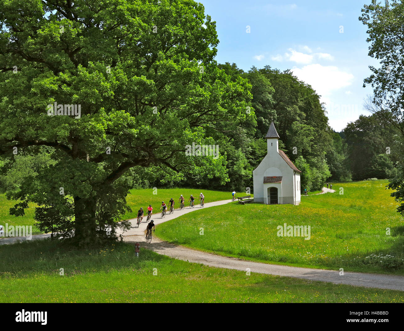 Germany, Upper Bavaria, river Isar cycle track near Wolfratshausen, chapel - Stock Image