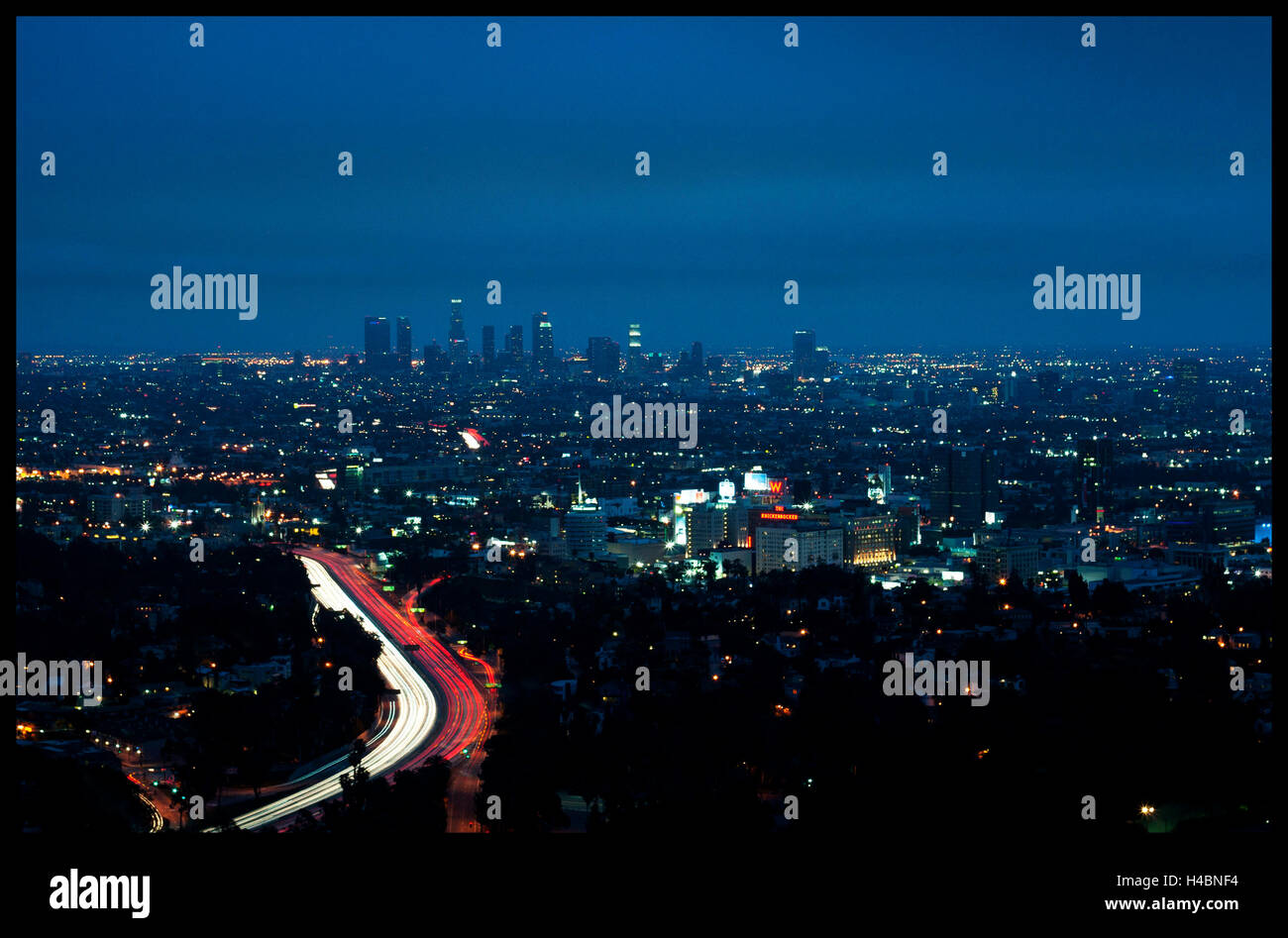 Night Photography: Los Angeles Mulholland Outlook, Los Angeles, California - Stock Image