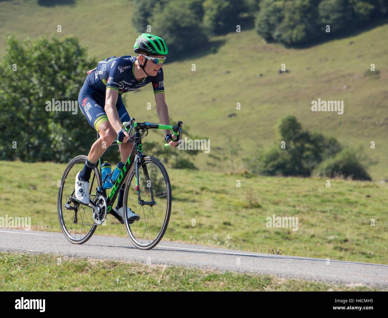 Jack Haig in la Vuelta Espagne on the Cole de Marie Blanque in the French Pyrenees. - Stock Image
