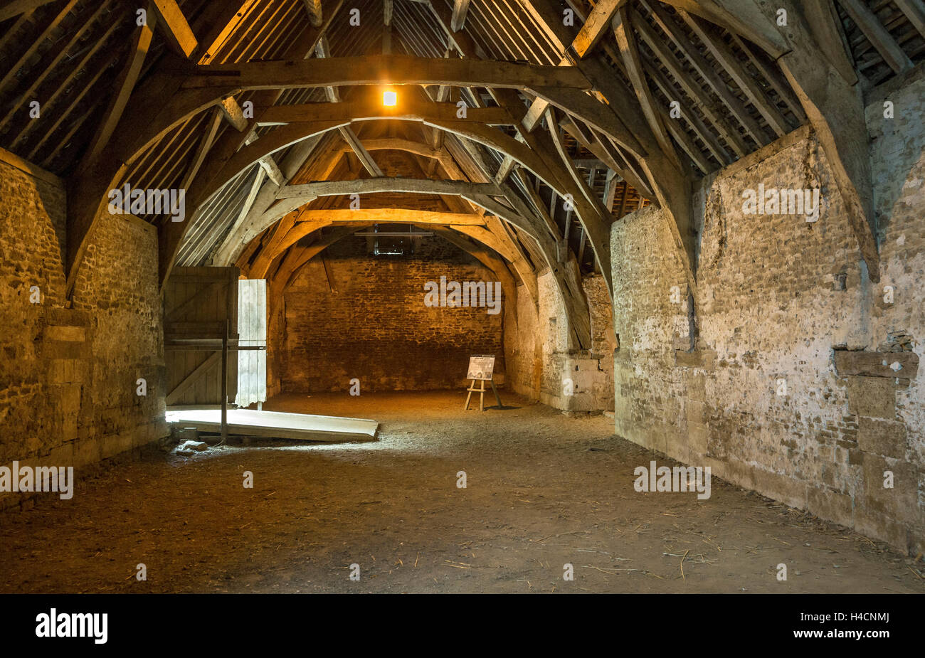 Great Britain, WIL Wiltshire, Lacock, The Tithe Barn, tenth-shy - Stock Image