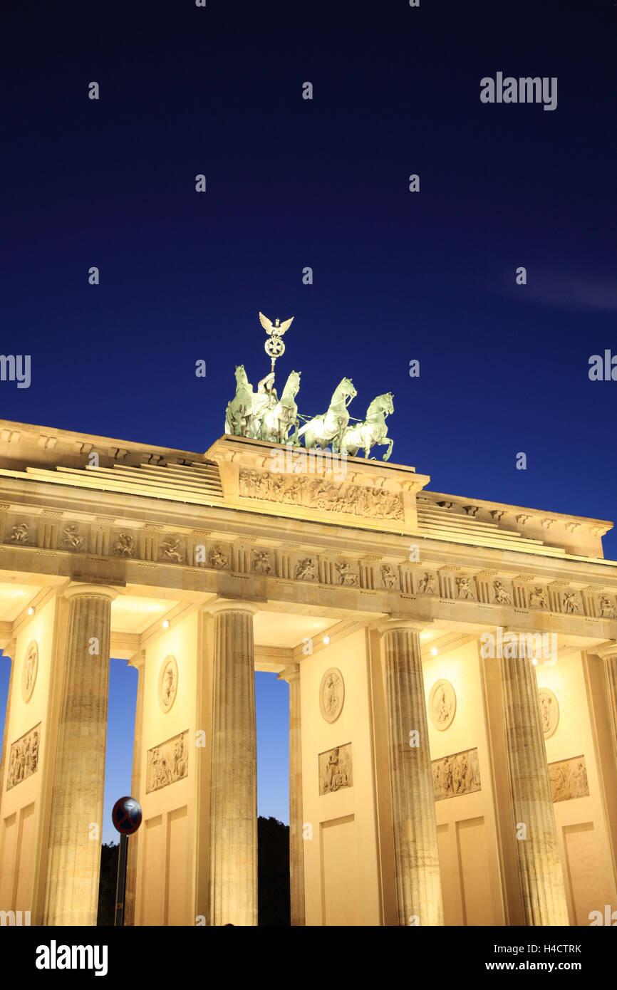 Germany, Berlin, Brandenburg gates At Paris space, dusk - Stock Image
