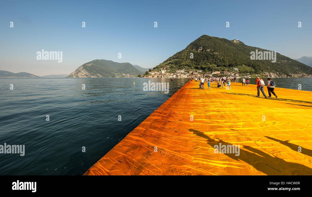 Lago d'Iseo, Floating pier Christ - Stock Image