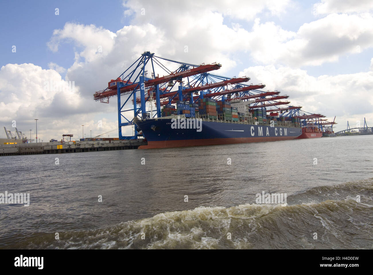 Container ship CMA CGM Marco Polo in the Hamburg harbour - Stock Image