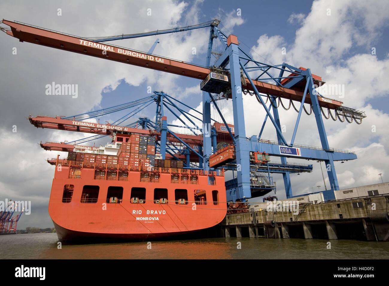 Container ship Rio Bravo Monrovia in the Hamburg harbour - Stock Image