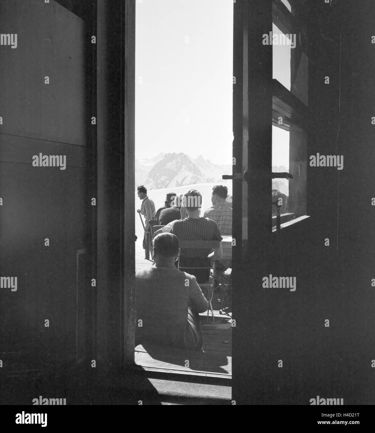 Ein Ausflug in ein Skigebiet in Bayern, Deutsches Reich 1930er Jahre. A trip to a Ski region in Bavaria, Germany - Stock Image