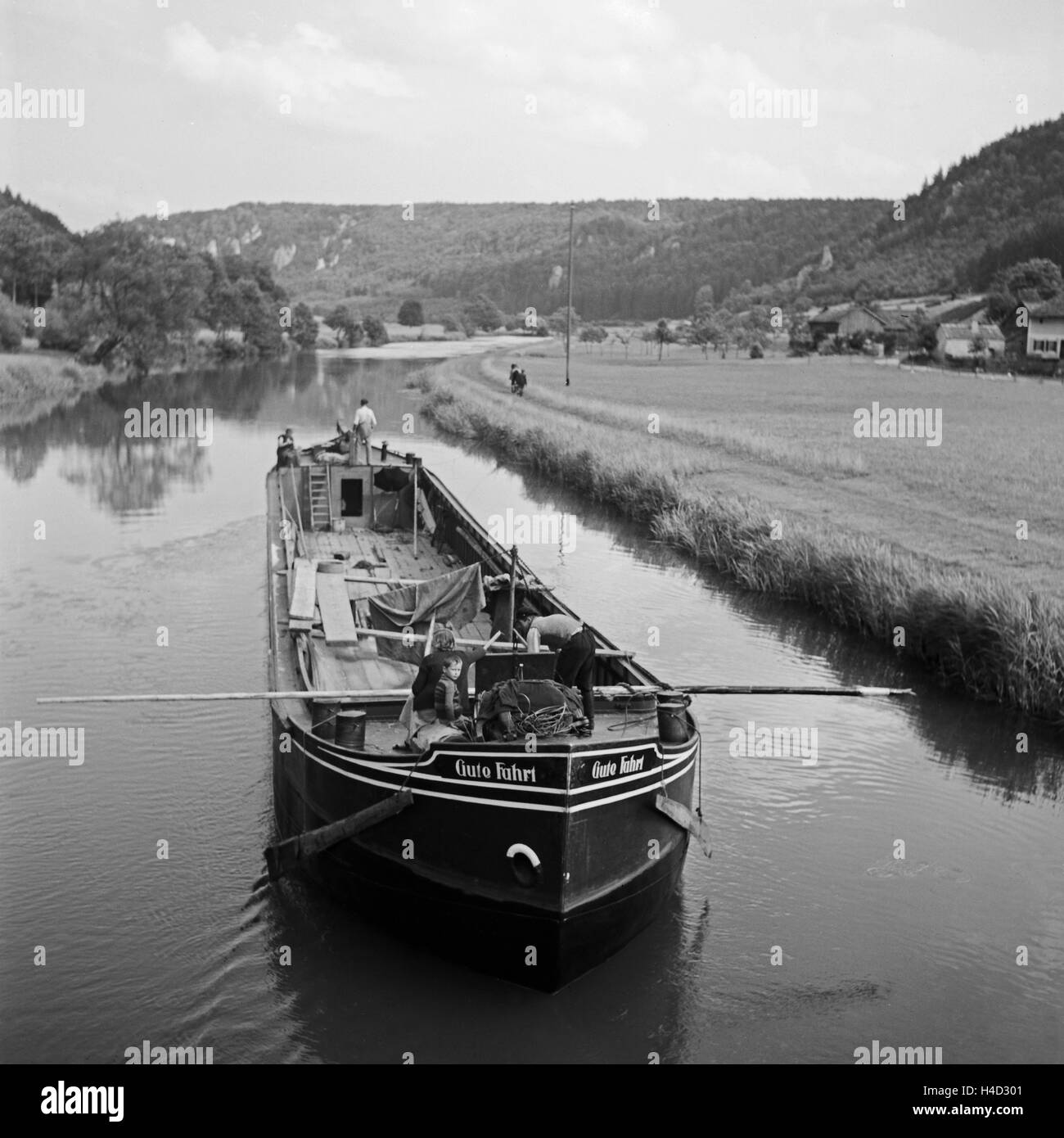 Frachtkahn 'Gute Fahrt' auf der Altmühl im Altmühltal, Deutschland 1930er Jahre. Freight ship - Stock Image