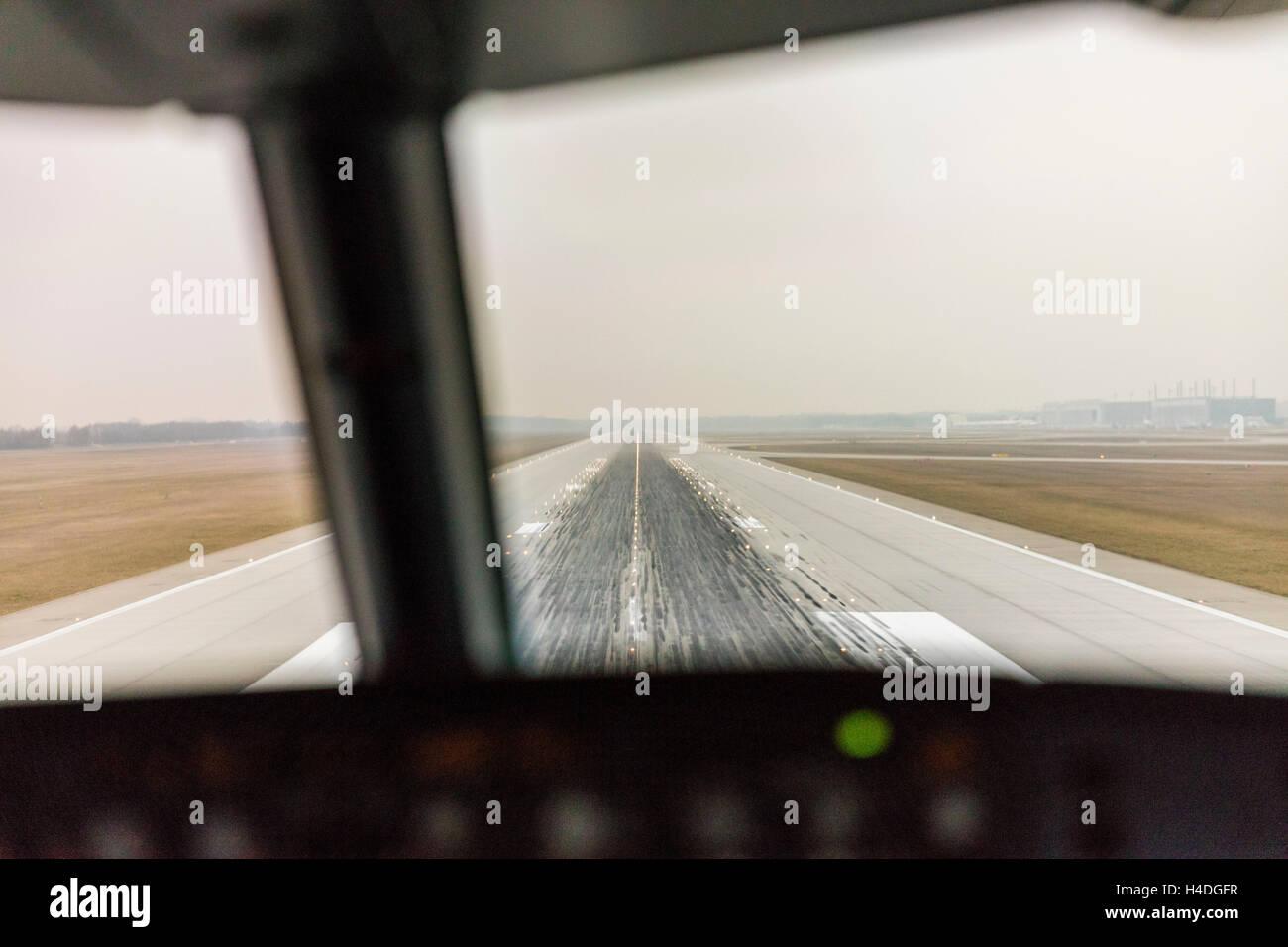 Landing at the airport, Italy, Kampanien, Naples - Stock Image