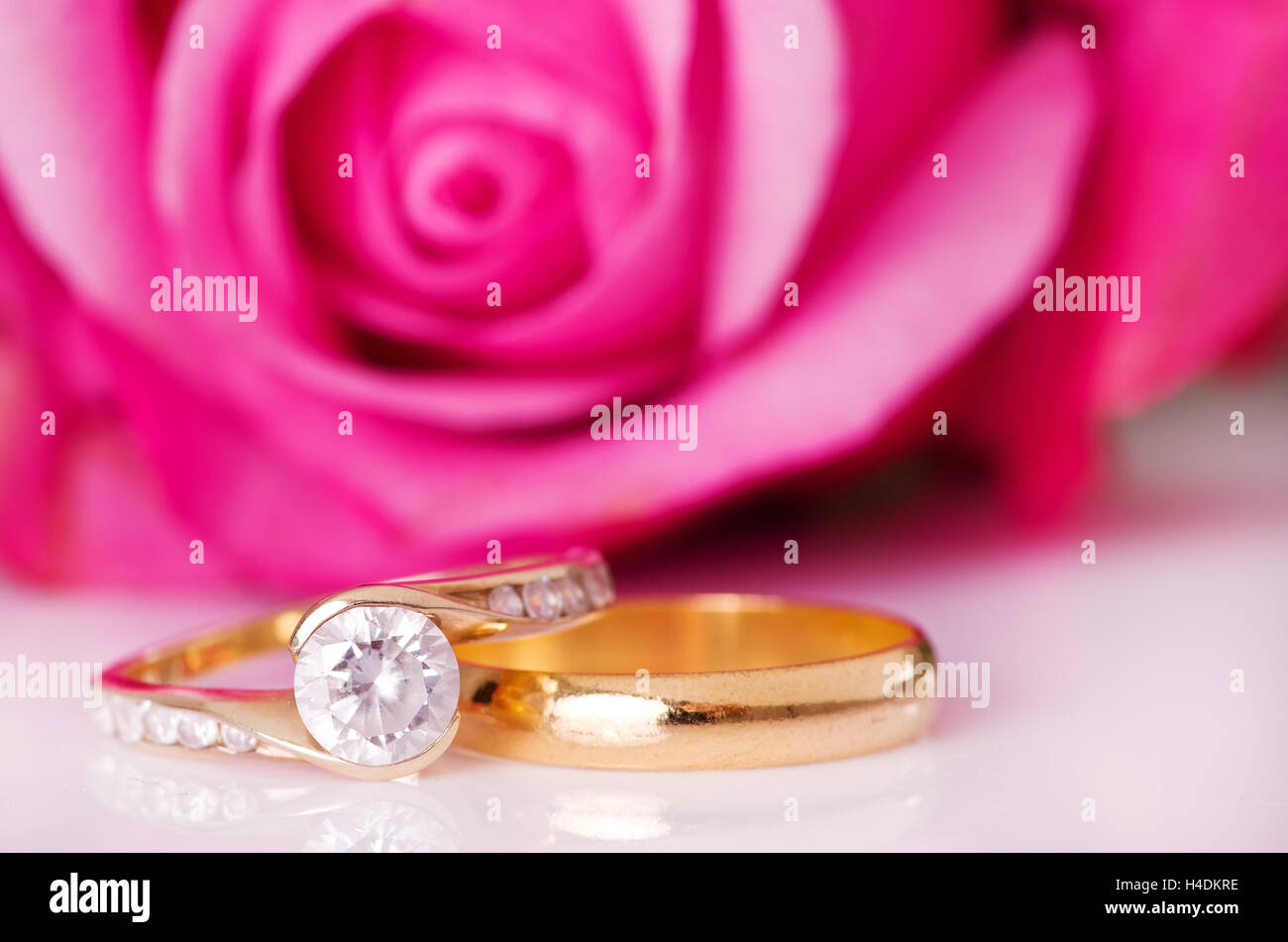 White Gold Diamond Rings Stock Photos & White Gold Diamond Rings ...
