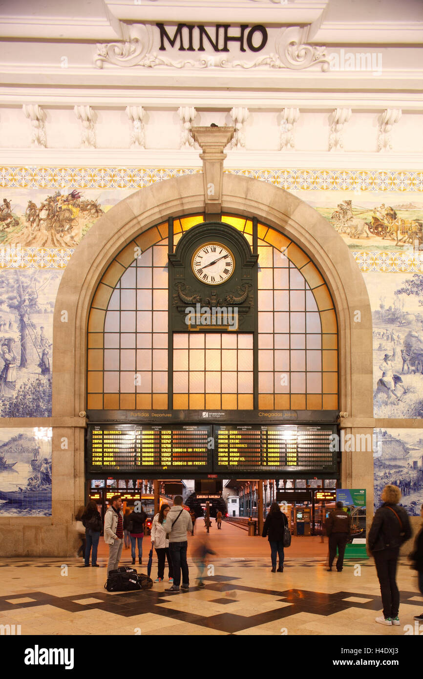 Sao Bento railway station, station hall with Azulejos tiles with dusk, postage, district postage, Portugal, Europe - Stock Image