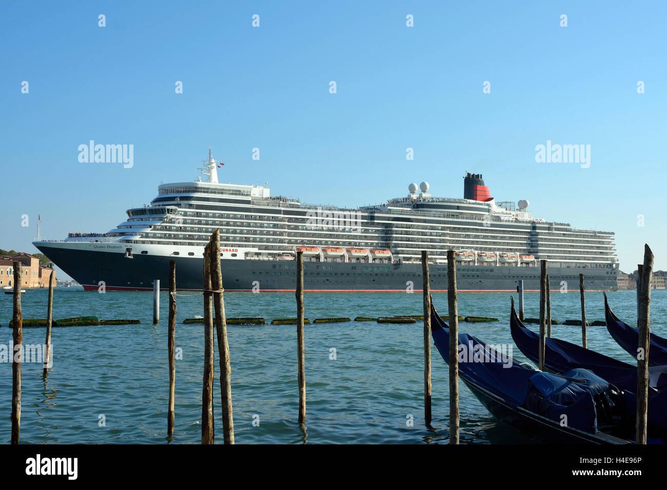 Cruise Ship Stock Photos Amp Cruise Ship Stock Images Alamy