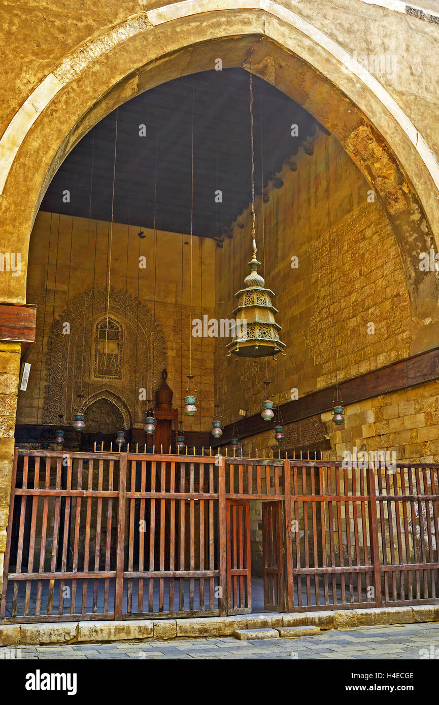 The huge arch connects the courtyard of Al-Nasir Muhammad funerary complex with the prayer hall of Mosque, Cairo - Stock Image