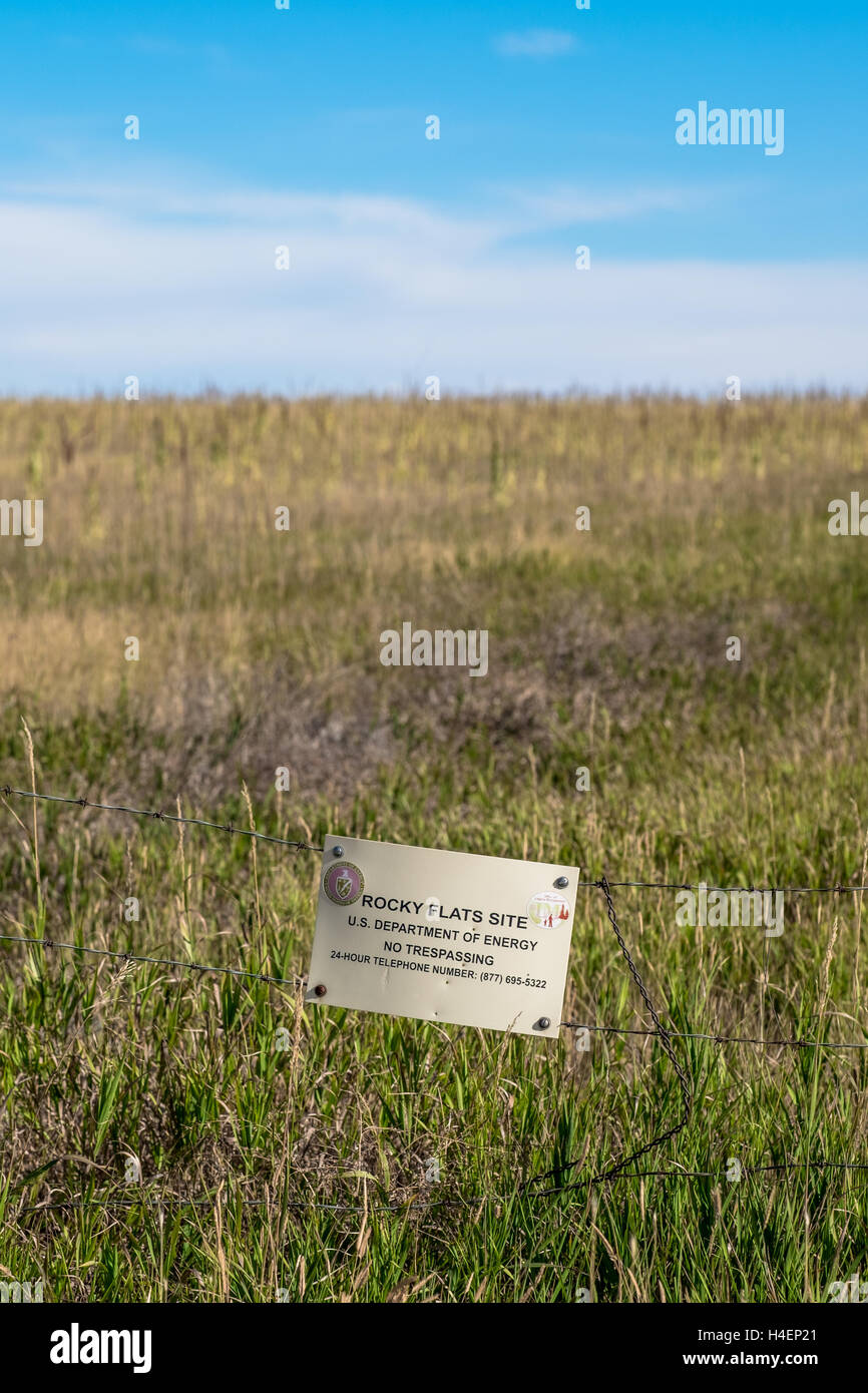 Rocky Flats Fence Line north of Candelas subdivision Arvada, CO - Stock Image
