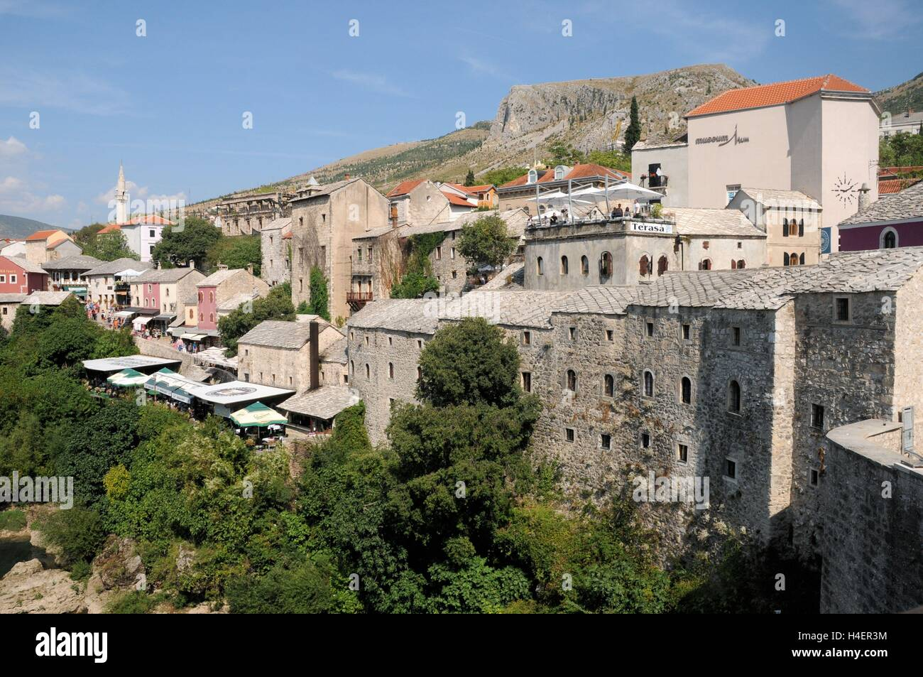 The view off the Stari Most bridge, Mostar, Bosnia Herzegovina. - Stock Image