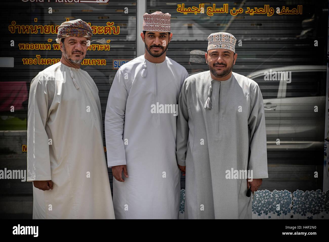 Dishdasha Stock Photos & Dishdasha Stock Images - Alamy