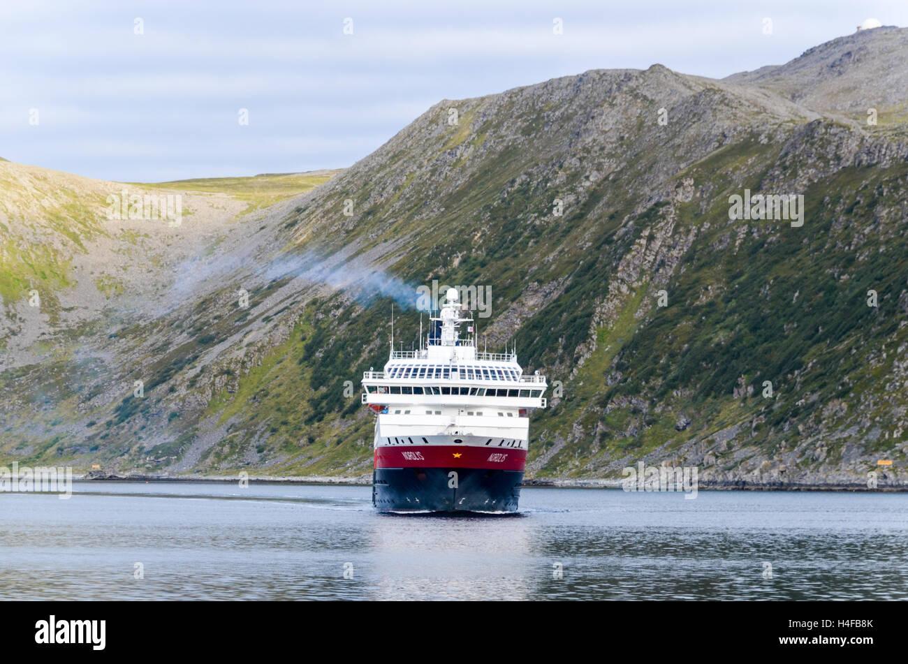 Hurtigruten ferry arriving in the port of Honningsvåg, Magerøya - Stock Image