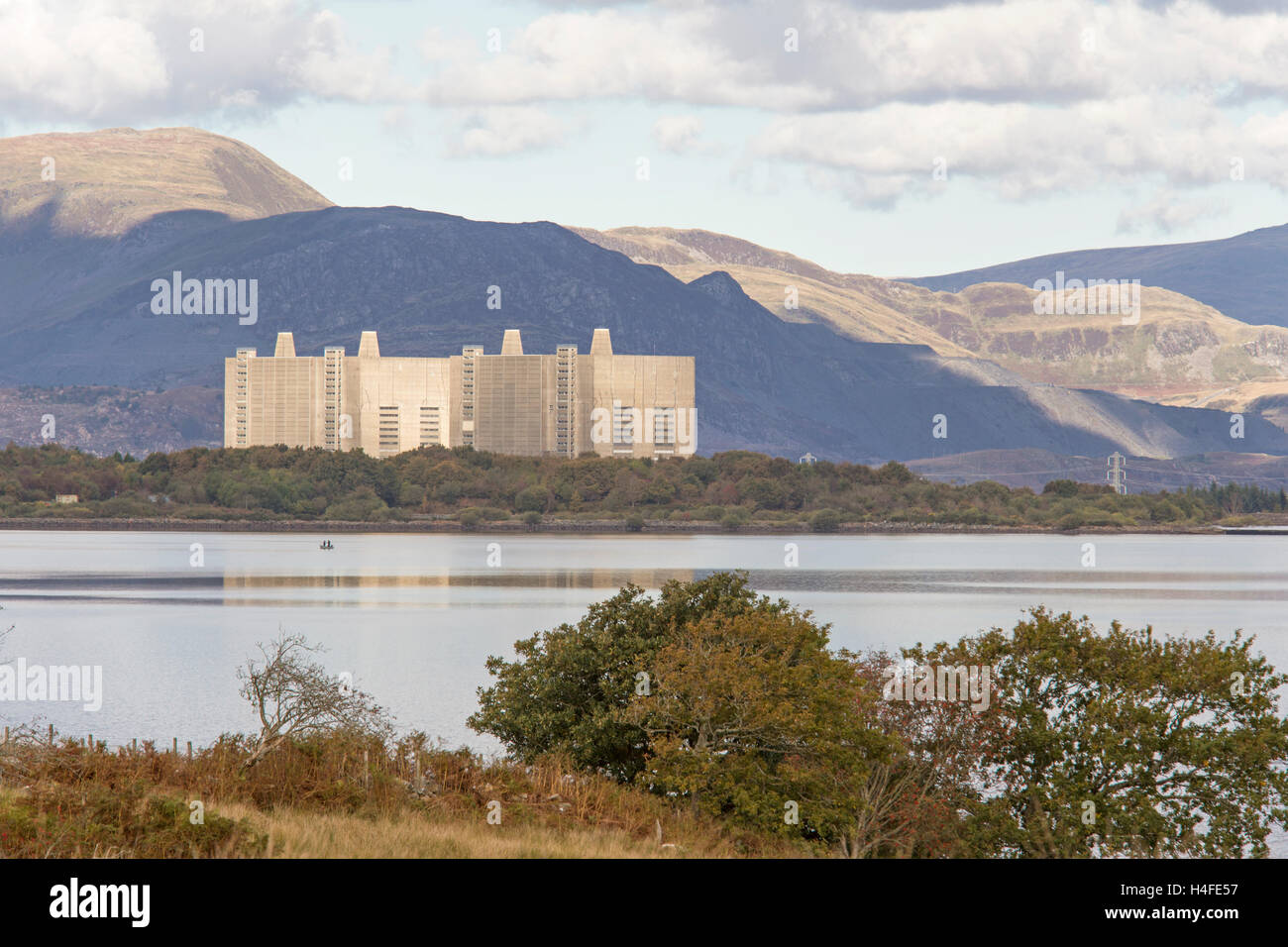 The decommissioned Trawsfynydd Nuclear Power Station, Snowdonia National Park,  Gwynedd, Wales. Stock Photo