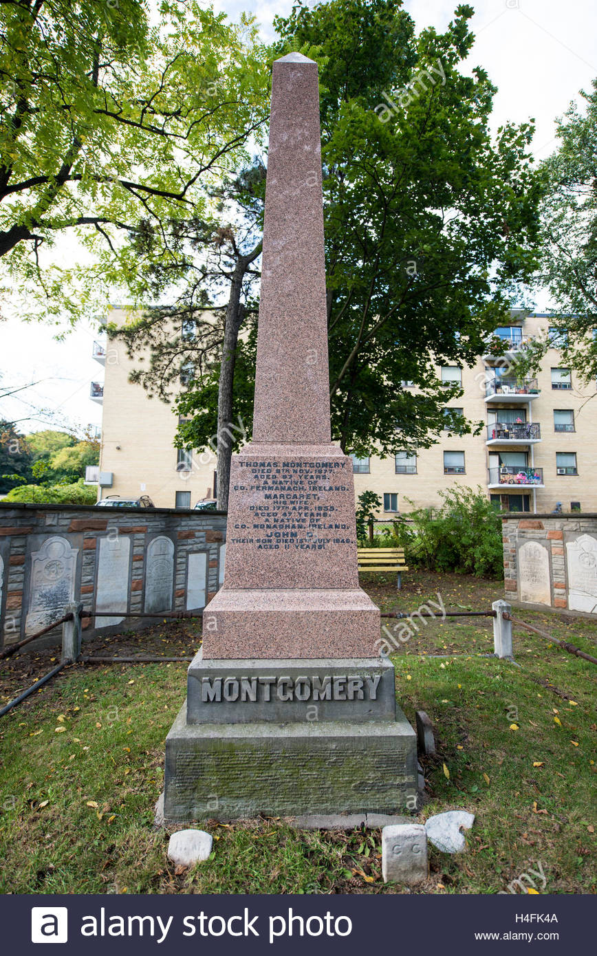Islington Burying Grounds or Cemetery. Monument in William Montgomery tomb.   This cemetery remains a prominent - Stock Image
