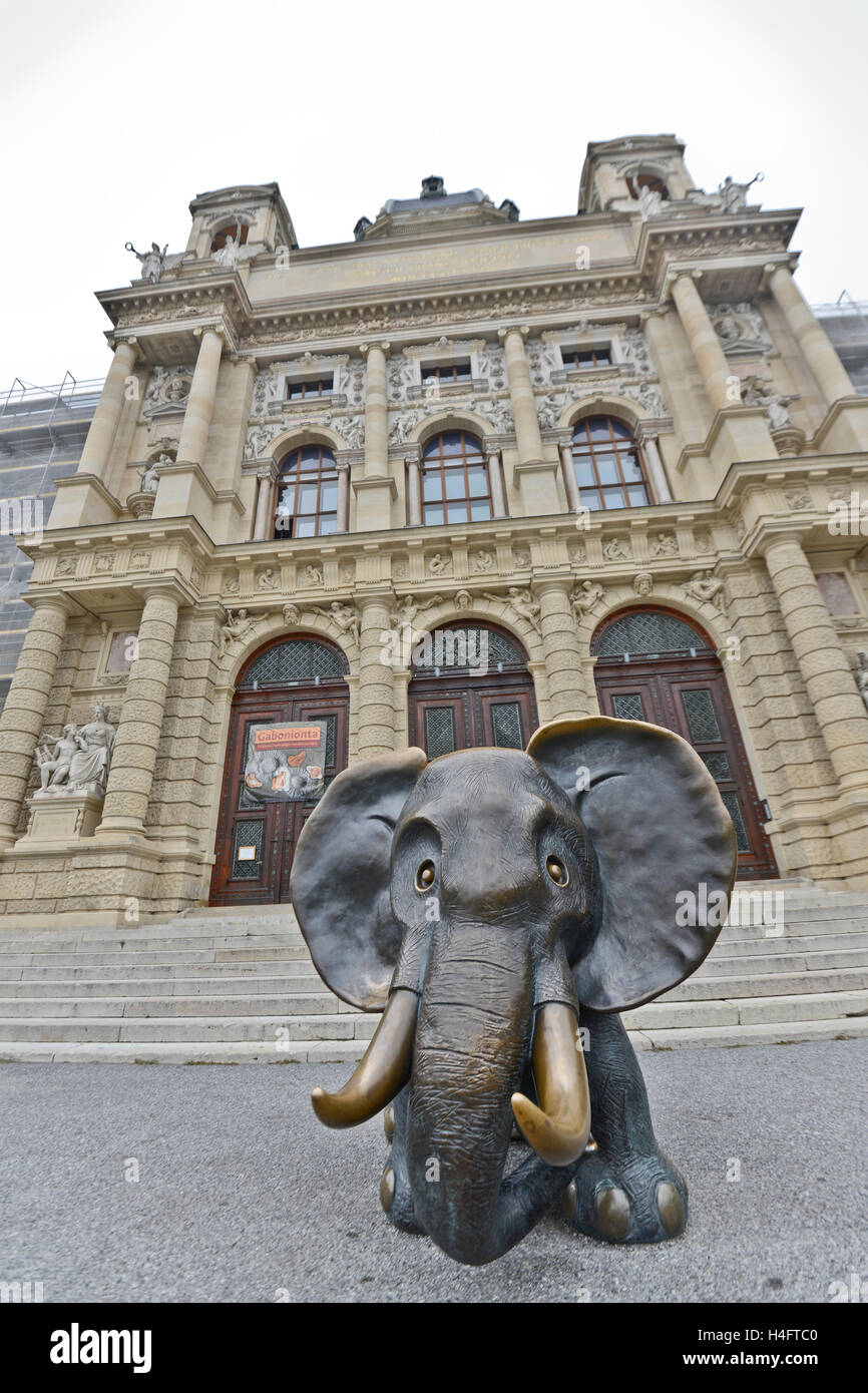 Vienna Museum of Natural History. Front entry, with a baby mamooth  bronze sculpture on the front. - Stock Image