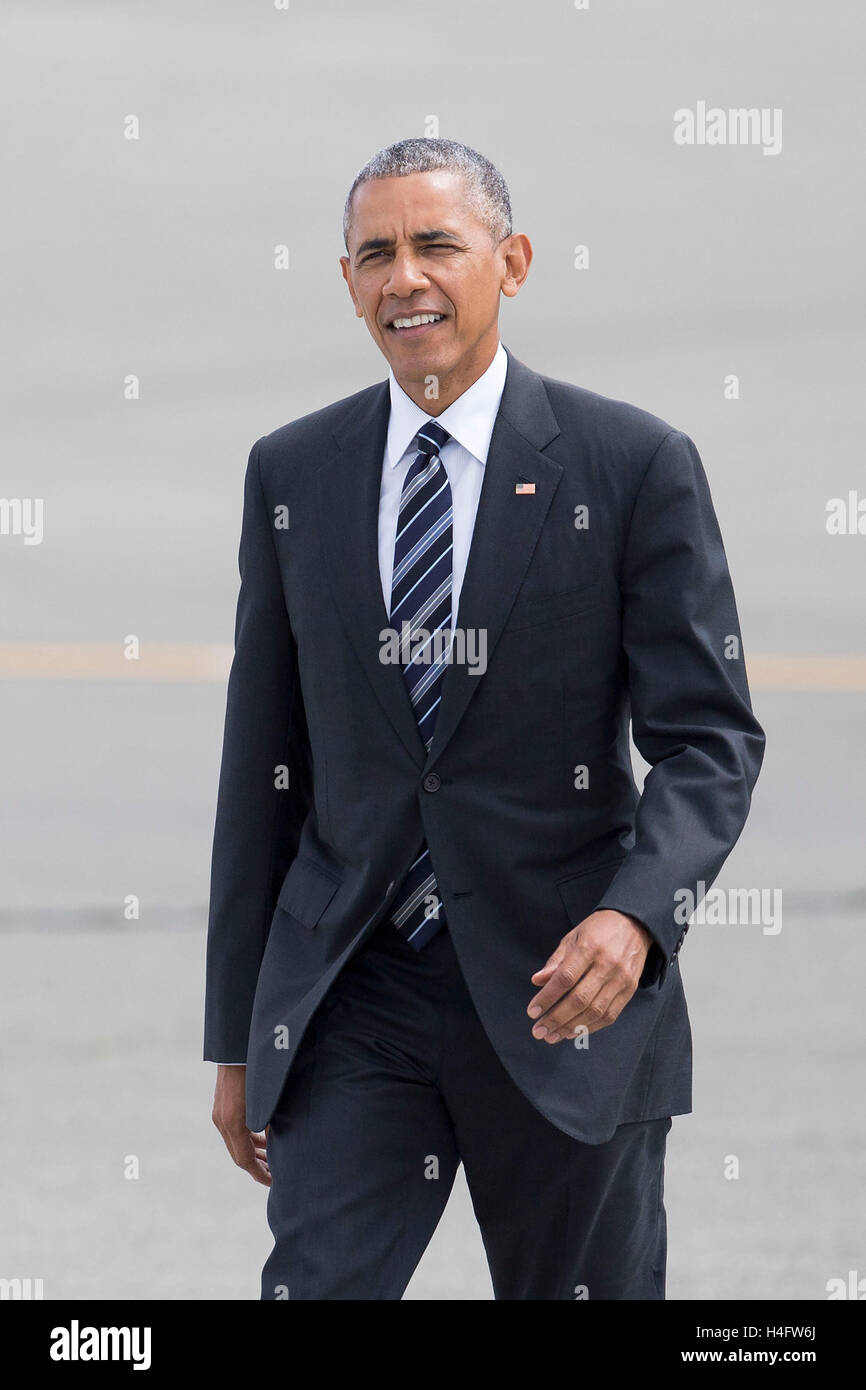 United States President Barack Obama arrives in Air Force One at Seattle-Tacoma International Airport on June 24, - Stock Image