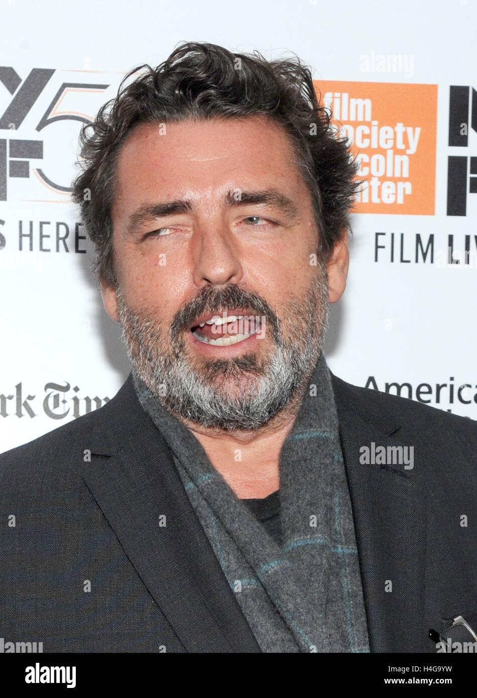 new york ny usa 15th oct 2016 actor angus macfadyen attends the