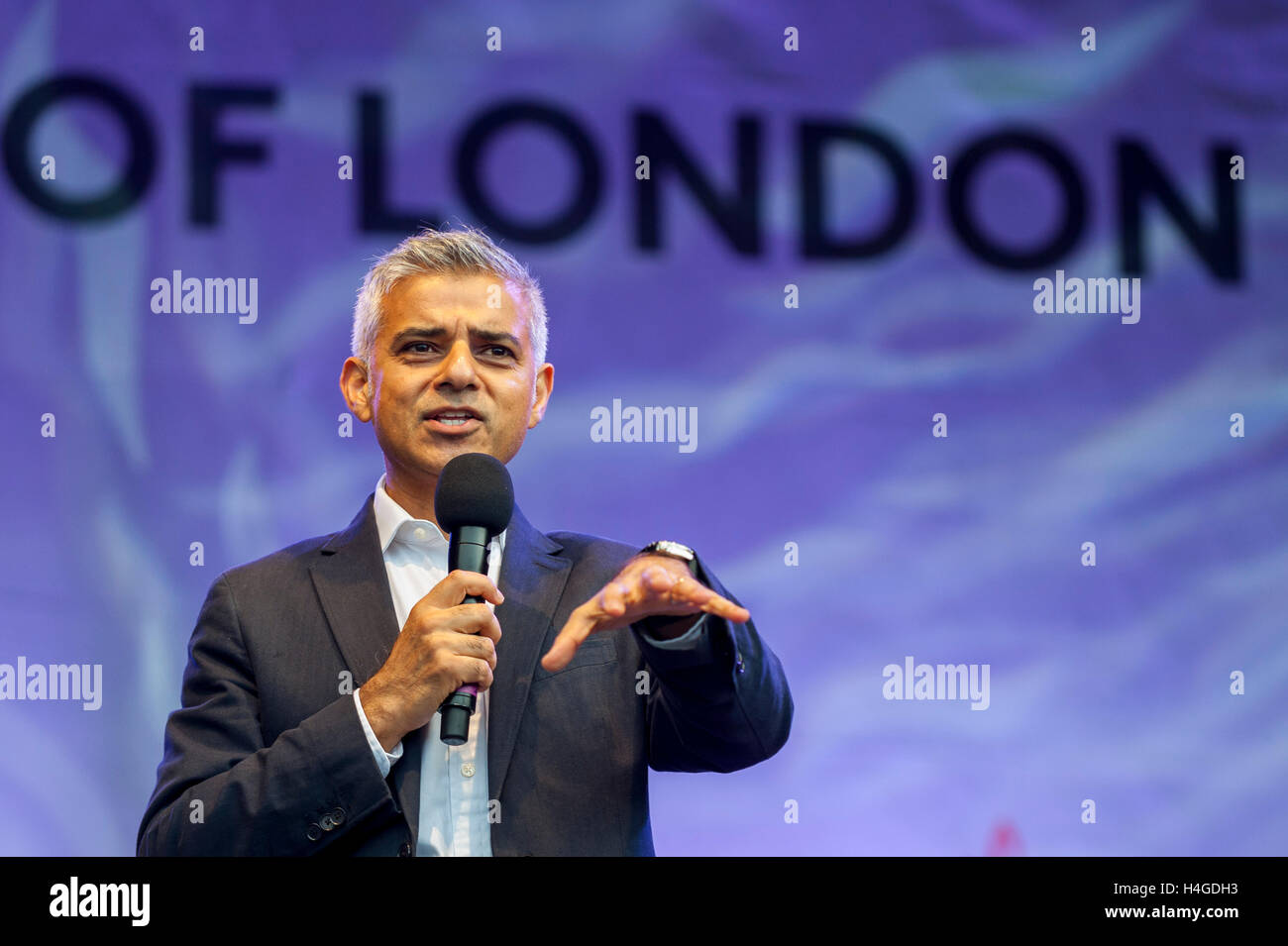 London, UK.  16 October 2016.  Sadiq Khan, Mayor of London, attends the official opening ceremony of the annual - Stock Image