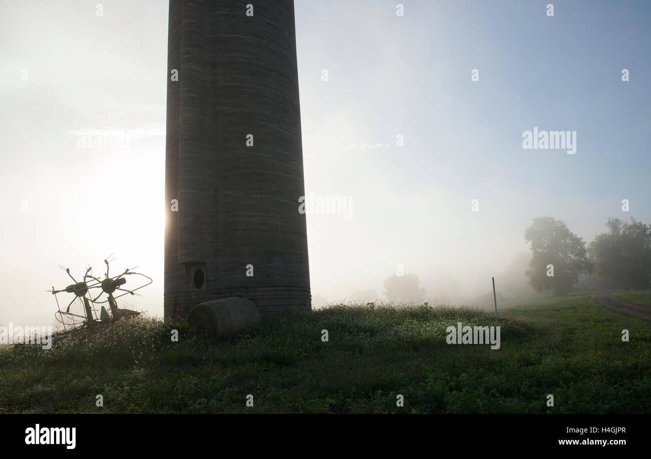 'Mist, Silo #3' Southern Illinois - Stock Image