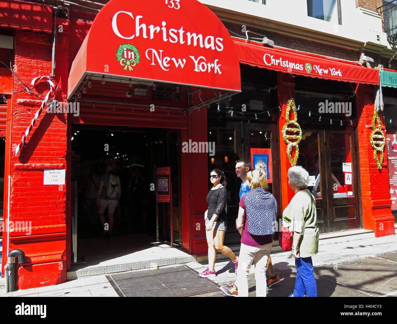 Little Christmas Italy.Christmas Shop New York Little Italy Manhattan New York