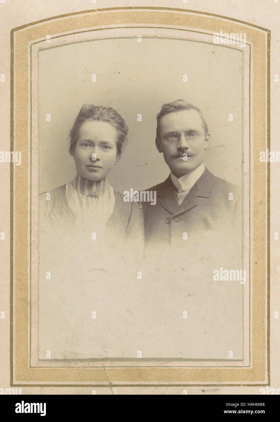 Portrait of a woman and a man with a pince-nez, M. Buttinghausen c. 1873 - c. 1895, M. Büttinghausen, c. 1873 - Stock Photo